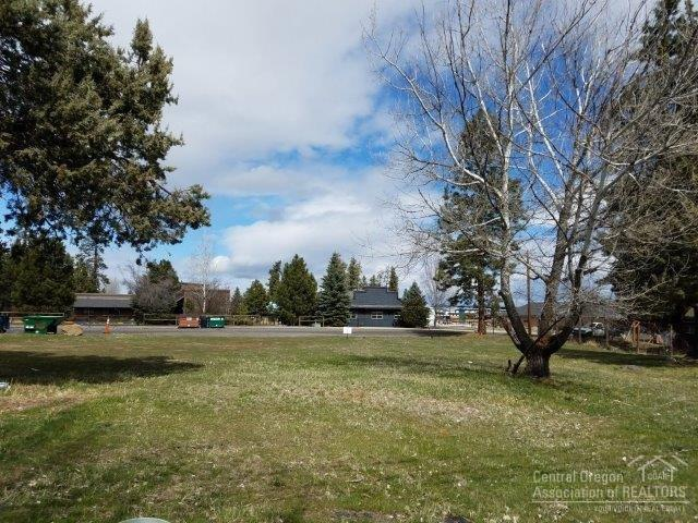 343 W Adams Avenue, Sisters, OR 97759 (MLS #201802939) :: Pam Mayo-Phillips & Brook Havens with Cascade Sotheby's International Realty