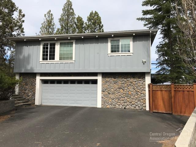 1731 NW Rimrock Road, Bend, OR 97703 (MLS #201803683) :: Fred Real Estate Group of Central Oregon