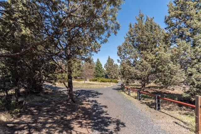 20970 Hicrest Place, Bend, OR 97703 (MLS #201804038) :: Pam Mayo-Phillips & Brook Havens with Cascade Sotheby's International Realty