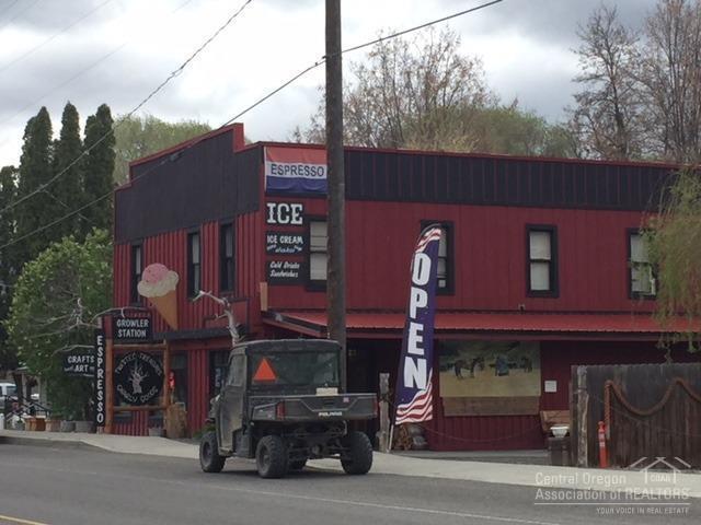 150 E Franklin Avenue, Dayville, OR 97825 (MLS #201804410) :: Fred Real Estate Group of Central Oregon