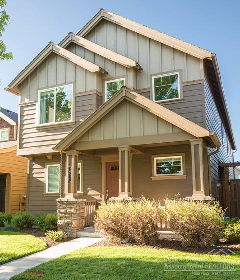 20577 Sun Meadow Way, Bend, OR 97702 (MLS #201804813) :: Fred Real Estate Group of Central Oregon