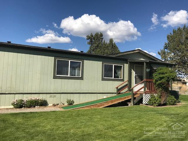 1515 NW Fir Avenue, Redmond, OR 97756 (MLS #201804981) :: Pam Mayo-Phillips & Brook Havens with Cascade Sotheby's International Realty