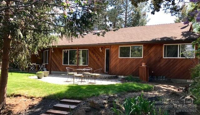 20889 King Hezekiah Way, Bend, OR 97702 (MLS #201805177) :: Windermere Central Oregon Real Estate