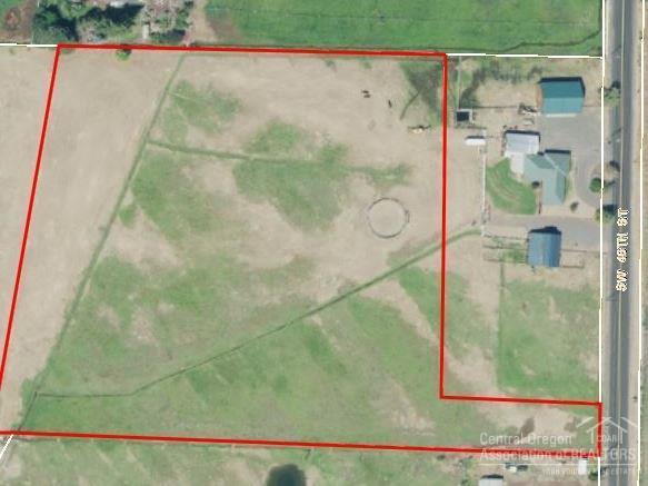 6995 SW 46Th., Redmond, OR 97756 (MLS #201805216) :: Fred Real Estate Group of Central Oregon