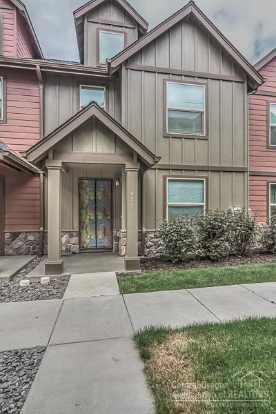 453 NW 25th Street, Redmond, OR 97756 (MLS #201805304) :: Pam Mayo-Phillips & Brook Havens with Cascade Sotheby's International Realty