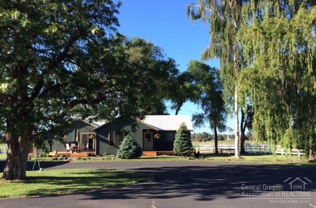 7690 NE 33rd Street, Redmond, OR 97756 (MLS #201806122) :: Fred Real Estate Group of Central Oregon
