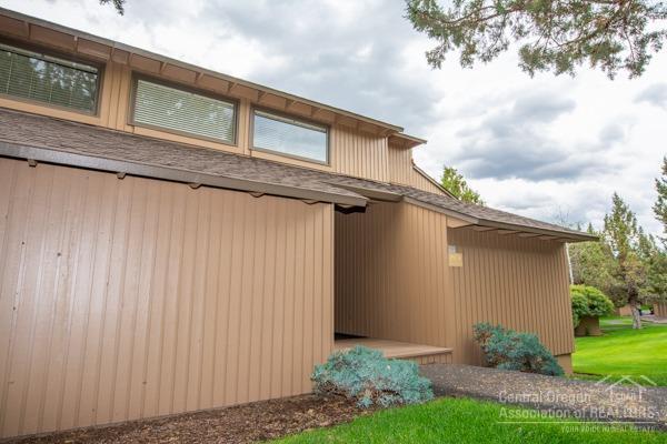 1978 Redtail Hawk Drive Rv21d, Redmond, OR 97756 (MLS #201806382) :: The Ladd Group