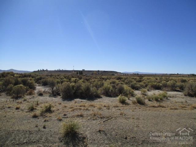 300 Christmas Valley Highway Tl, Christmas Valley, OR 97641 (MLS #201806548) :: Fred Real Estate Group of Central Oregon
