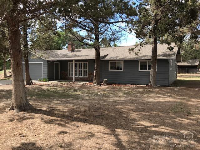 19882 8th Street, Bend, OR 97703 (MLS #201806589) :: The Ladd Group