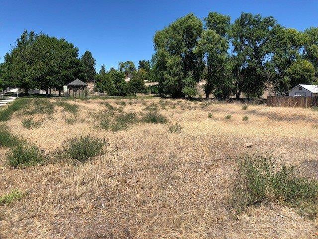 8 NE B Street Lot, Madras, OR 97746 (MLS #201806749) :: Pam Mayo-Phillips & Brook Havens with Cascade Sotheby's International Realty