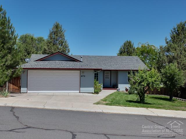 Madras, OR 97741 :: Pam Mayo-Phillips & Brook Havens with Cascade Sotheby's International Realty