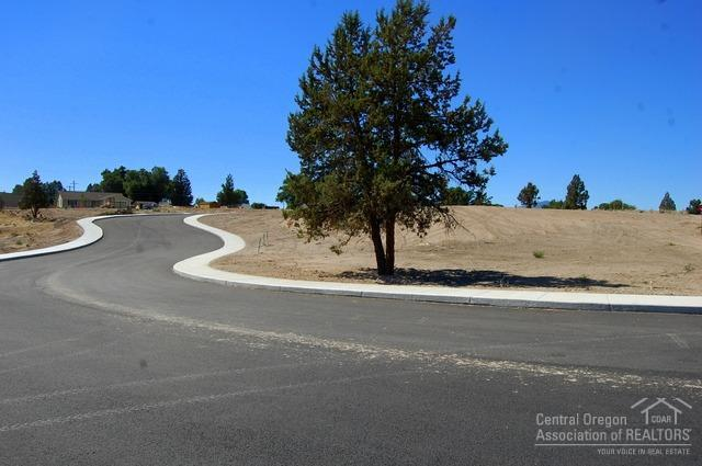 0 NE Colleen Alley Lot 11, Prineville, OR 97754 (MLS #201807143) :: Fred Real Estate Group of Central Oregon