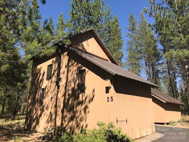 17673 Cluster Cabin Lane, Sunriver, OR 97707 (MLS #201807173) :: Fred Real Estate Group of Central Oregon