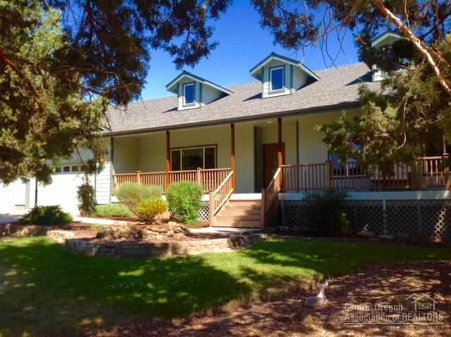 20995 Scottsdale Drive, Bend, OR 97701 (MLS #201807522) :: The Ladd Group