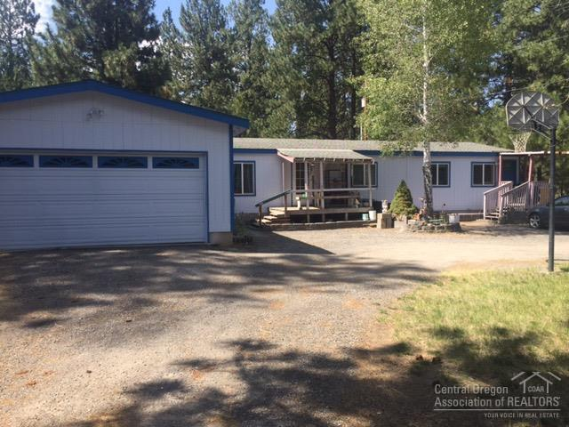 60075 Cinder Butte Road, Bend, OR 97702 (MLS #201807666) :: The Ladd Group