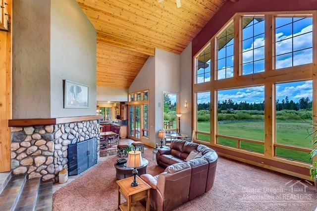 55383 Huntington Road, Bend, OR 97707 (MLS #201807923) :: Fred Real Estate Group of Central Oregon