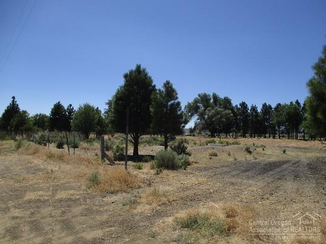 55420 Earl Road, Christmas Valley, OR 97641 (MLS #201808155) :: The Ladd Group