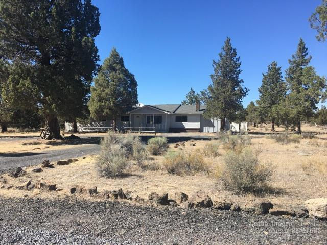 23084 Mcgrath Road, Bend, OR 97701 (MLS #201808473) :: The Ladd Group