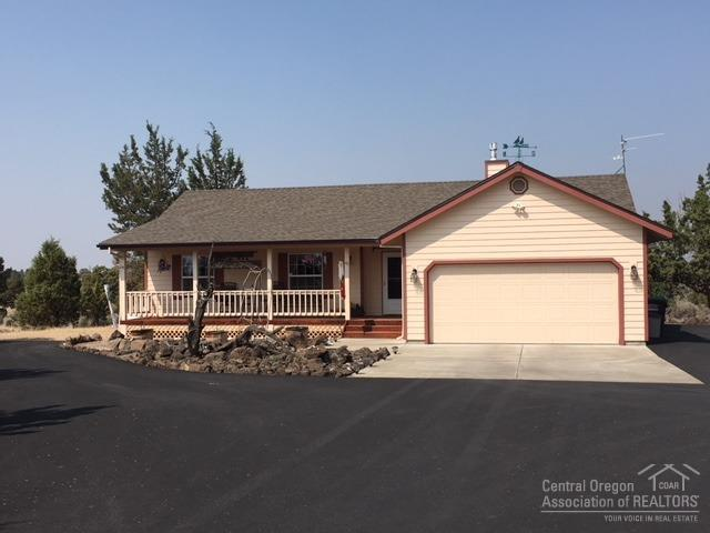 1723 SW Bent Loop, Powell Butte, OR 97753 (MLS #201808766) :: Windermere Central Oregon Real Estate