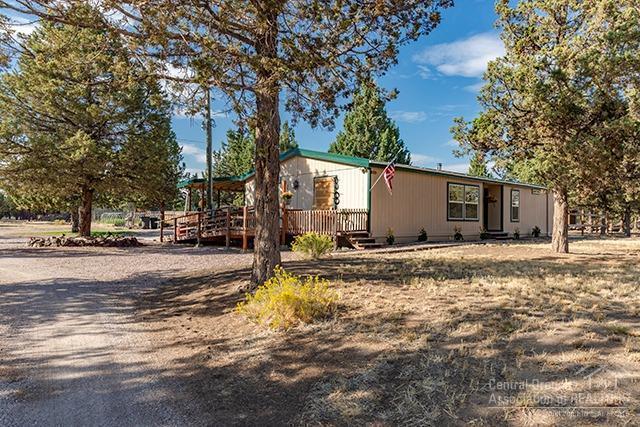 14900 SW Stallion Drive, Terrebonne, OR 97760 (MLS #201808909) :: The Ladd Group