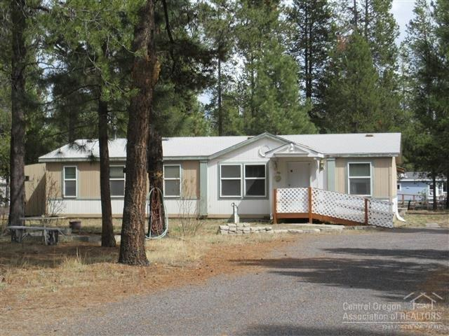 52950 Forest Way, La Pine, OR 97739 (MLS #201809298) :: Fred Real Estate Group of Central Oregon