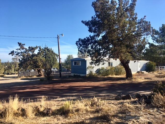 6420 SW Jaguar Avenue, Redmond, OR 97756 (MLS #201809399) :: Fred Real Estate Group of Central Oregon