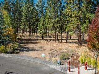 2863 NW Mcdermott Place, Bend, OR 97703 (MLS #201809731) :: The Ladd Group