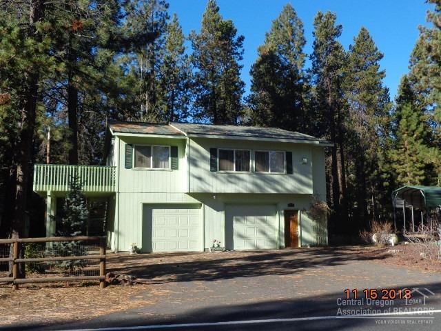56333 Solar Drive, Bend, OR 97707 (MLS #201810010) :: Team Birtola | High Desert Realty