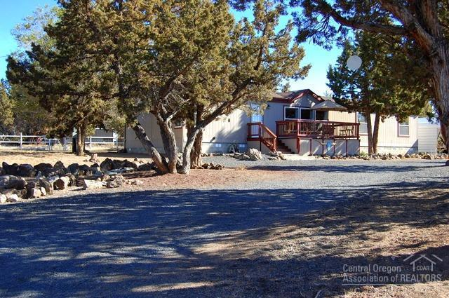 3794 SE Cherokee Road, Prineville, OR 97754 (MLS #201810319) :: Pam Mayo-Phillips & Brook Havens with Cascade Sotheby's International Realty
