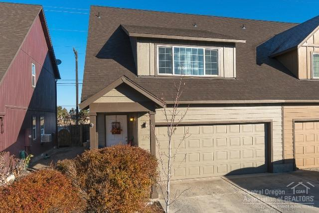 2912 SW Indian Circle, Redmond, OR 97756 (MLS #201810999) :: Team Birtola | High Desert Realty