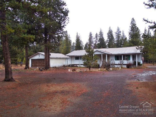 16202 Green Forest Road, La Pine, OR 97739 (MLS #201811421) :: Team Birtola | High Desert Realty