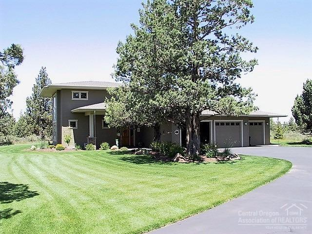 66920 Ten Peaks Court, Bend, OR 97703 (MLS #201900224) :: Team Birtola | High Desert Realty