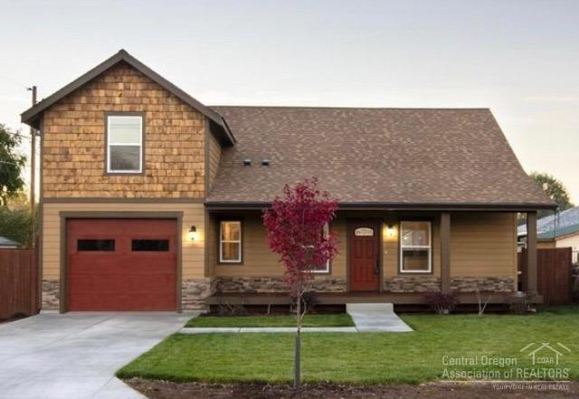 345 SE Fairview Street, Prineville, OR 97754 (MLS #201901016) :: Central Oregon Valley Brokers