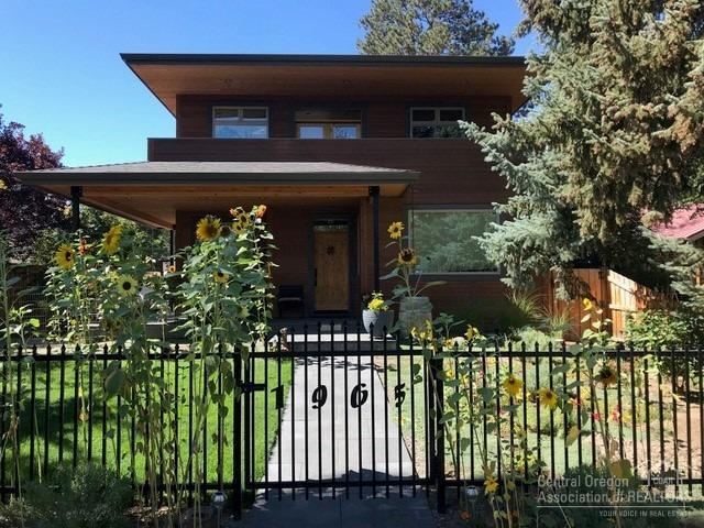 1965 NW 1st Street, Bend, OR 97703 (MLS #201901926) :: Central Oregon Home Pros