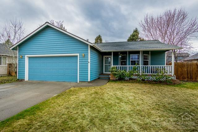 21327 Starling Drive, Bend, OR 97701 (MLS #201902491) :: Central Oregon Home Pros