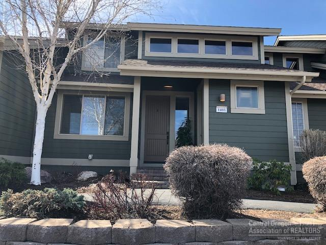 1403 Highland View Loop, Redmond, OR 97756 (MLS #201903062) :: Central Oregon Home Pros