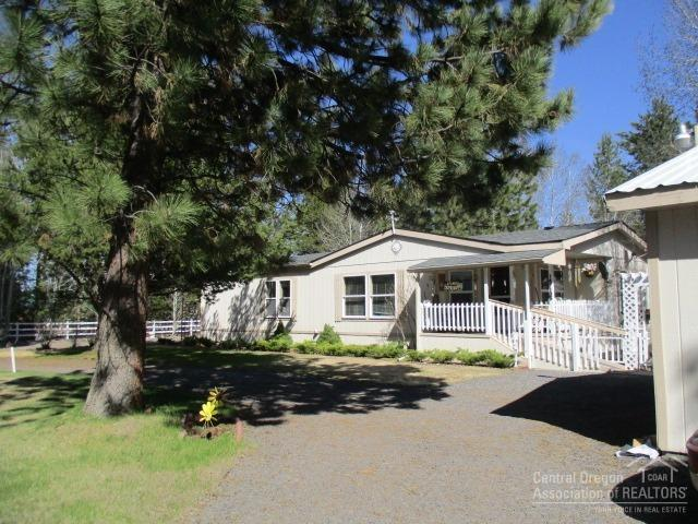 147135 Bills Road, Gilchrist, OR 97737 (MLS #201903587) :: Team Sell Bend