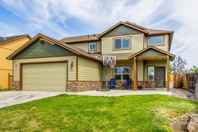 845 NE Redwood Avenue, Redmond, OR 97756 (MLS #201904200) :: Fred Real Estate Group of Central Oregon