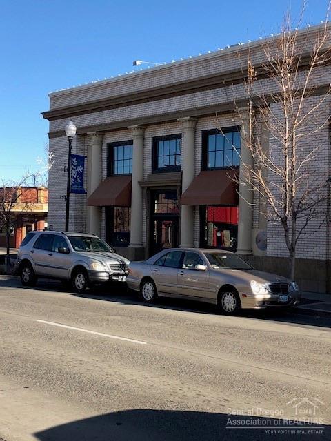 404 SW 6th Street, Redmond, OR 97756 (MLS #201905350) :: Berkshire Hathaway HomeServices Northwest Real Estate