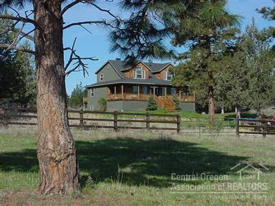 16927 Hwy 126, Sisters, OR 97759 (MLS #201905528) :: Team Birtola | High Desert Realty