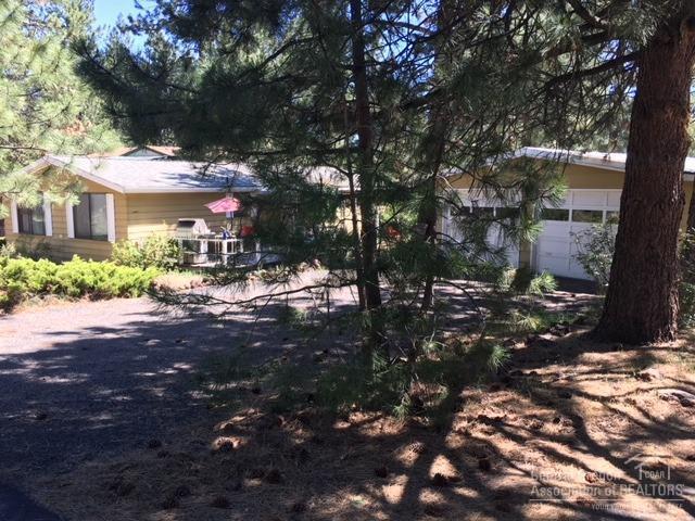 60898 Ridge Drive, Bend, OR 97702 (MLS #201905965) :: Stellar Realty Northwest