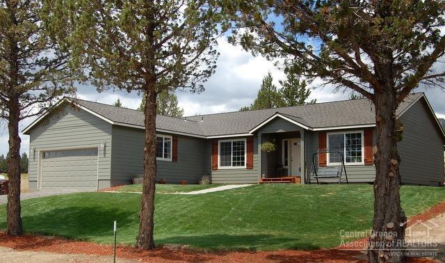 6305 NW Elliott Street, Prineville, OR 97754 (MLS #201906300) :: Central Oregon Home Pros