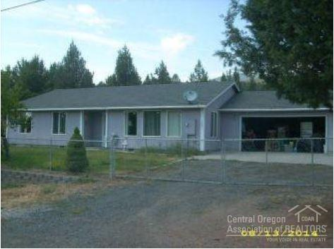 5861 NW Barnes, Prineville, OR 97754 (MLS #201906328) :: Central Oregon Home Pros