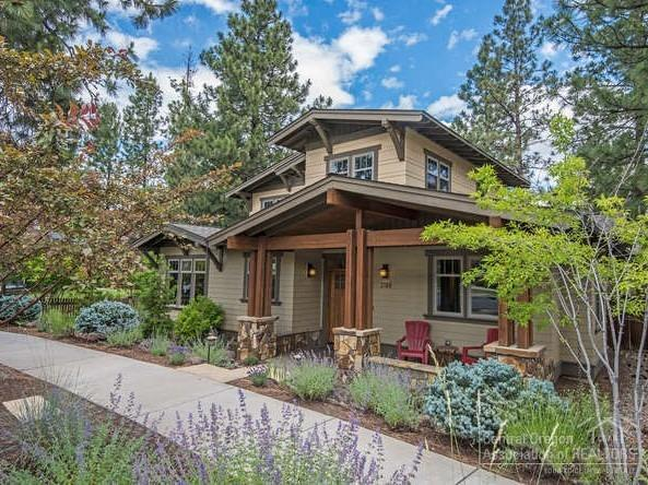 2188 NW Clearwater Drive, Bend, OR 97703 (MLS #201906574) :: Windermere Central Oregon Real Estate