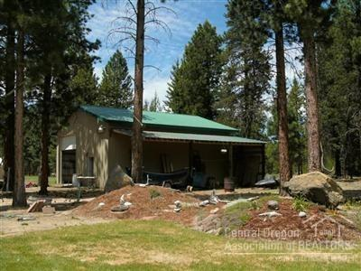 1605 Lund Road, La Pine, OR 97739 (MLS #201906689) :: Team Birtola | High Desert Realty