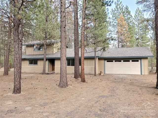 1868 Ladigo Court, La Pine, OR 97739 (MLS #201906771) :: Central Oregon Home Pros