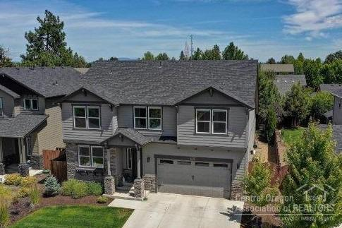 63268 NW Rossby Street, Bend, OR 97703 (MLS #201906916) :: Berkshire Hathaway HomeServices Northwest Real Estate