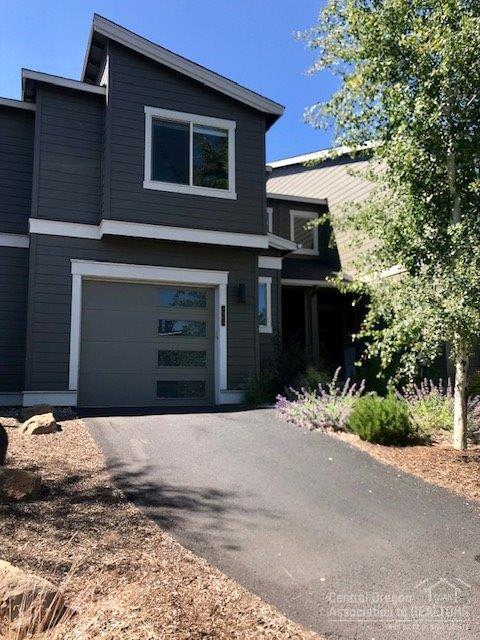 2363 NW Debron, Bend, OR 97703 (MLS #201906986) :: Central Oregon Home Pros
