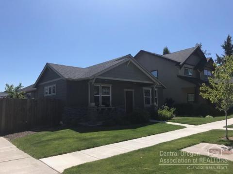 Bend, OR 97703 :: Berkshire Hathaway HomeServices Northwest Real Estate