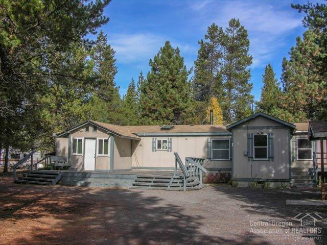 15990 Lava Drive, La Pine, OR 97739 (MLS #201907638) :: Berkshire Hathaway HomeServices Northwest Real Estate